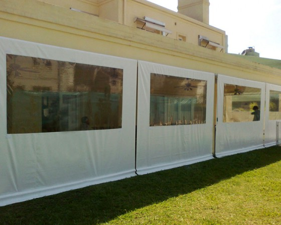 Cortinas con ventana PVC